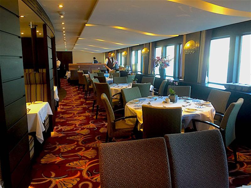 AmaSonata dining room