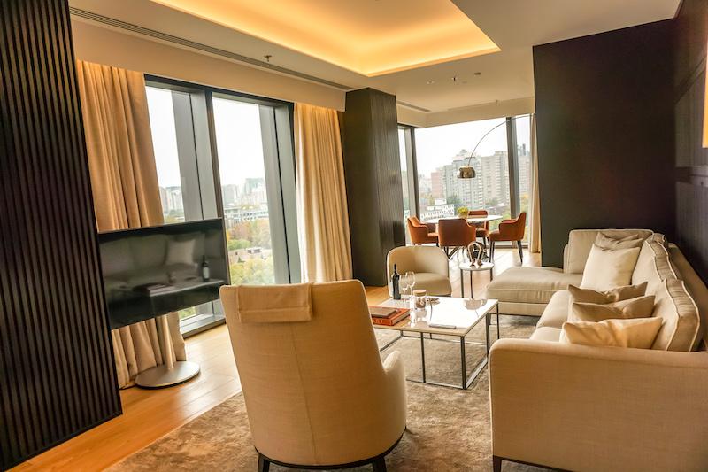 Bulgari Hotel Beijing Deluxe Suite living room image