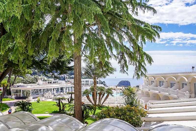 Grand Quisisana Hotel pool image