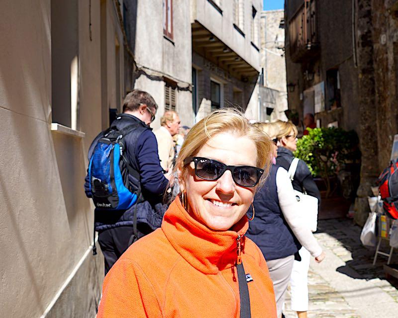 Cara Goldsbury Ray-Ban sunglasses image