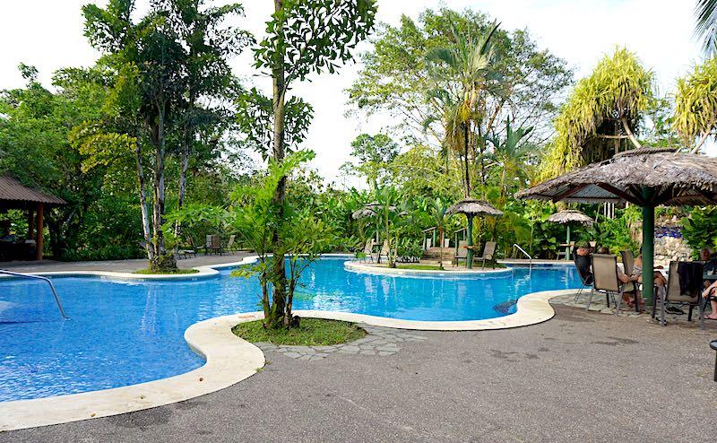Costa Rica Laguna Lodge pool image