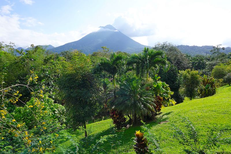 Costa Rica Arenal Manoa volcano image