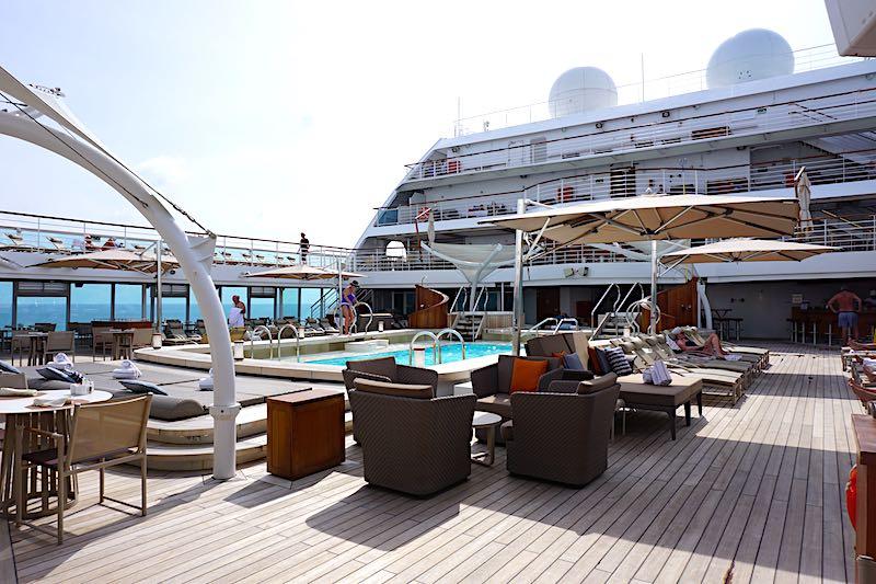 Seabourn Encore pool image