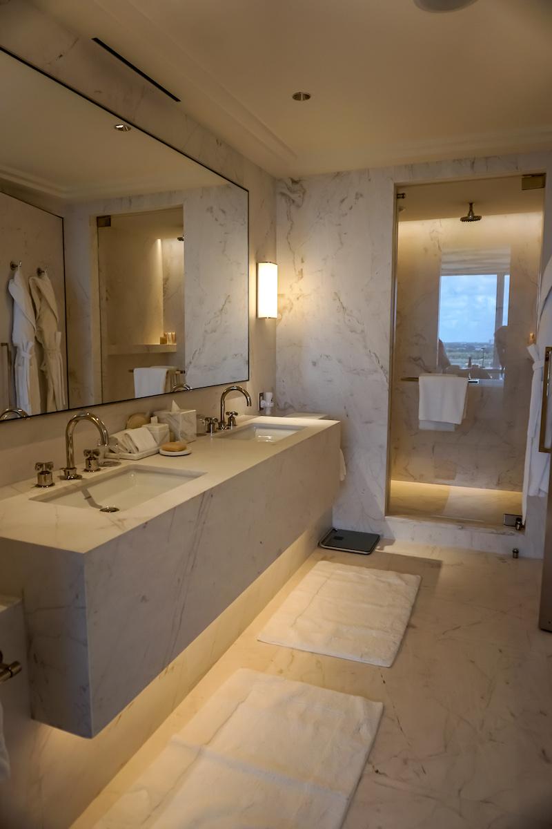 Four Seasons, The Surf Club guest room bath
