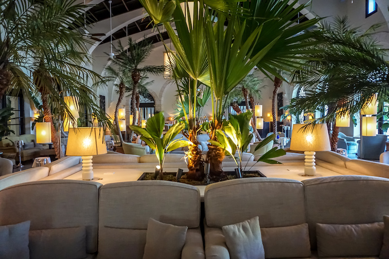 Four Seasons, The Surf Club champagne bar image