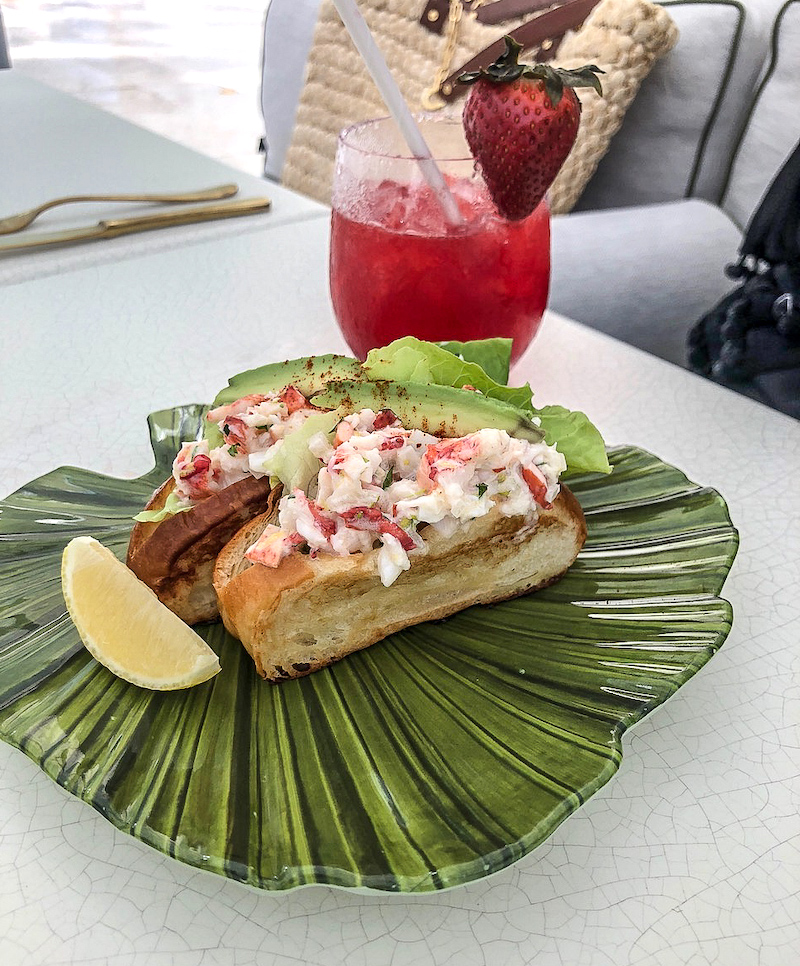 Four Seasons, The Surf Club pool grill lobster roll