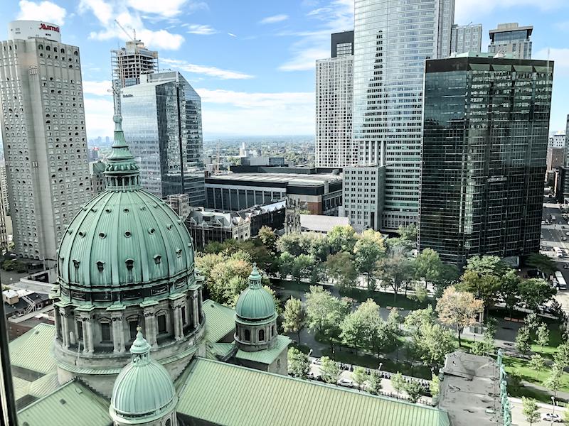 Fairmont Montreal The Queen Elizabeth Gold Concierge Lounge view image