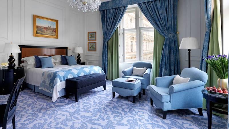 Four Seasons Prague guest room image