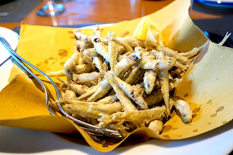 Lake Bracciano fried anchovies image