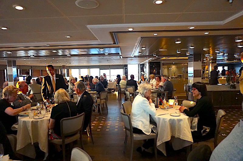 Silver Muse La Terraza dining room image