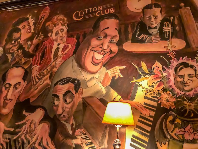 The Monkey Bar New York dining room mural image