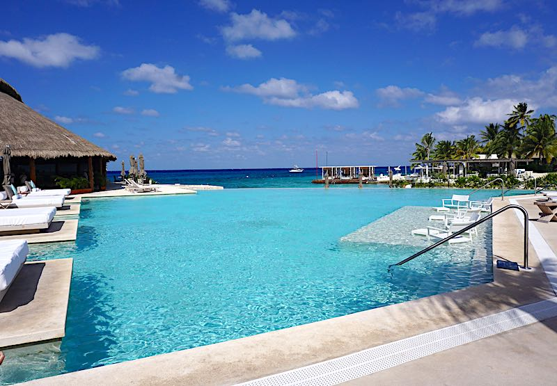 Presidente Interncontintal Cozumel pool image