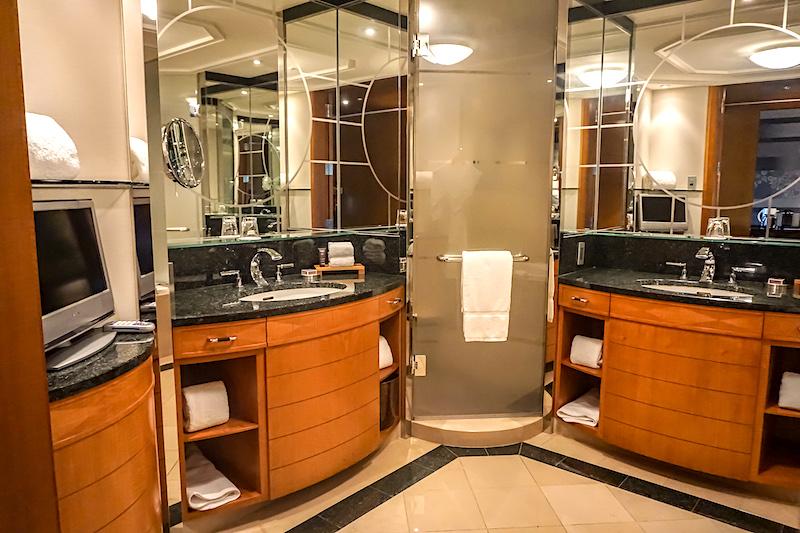 Ritz Carlton Tokyo bath image