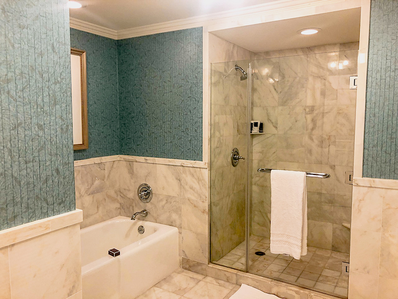 Ritz Carlton Orlando Executive Suite bath image