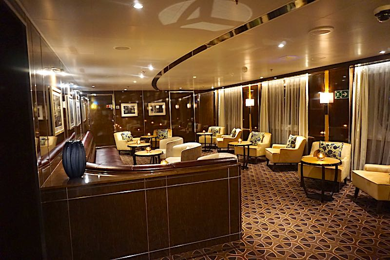 Seabourn Encore The Grill Bar image