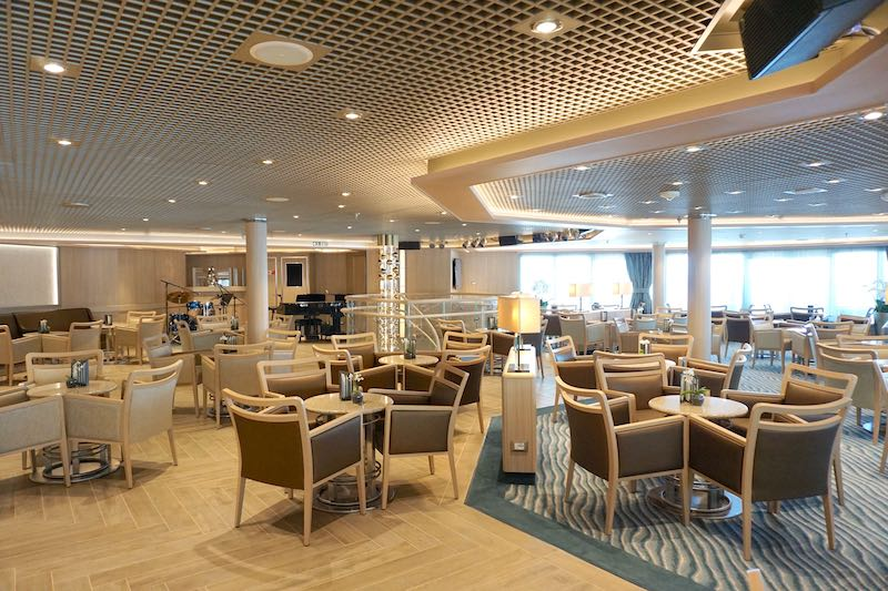 Silver Muse Panorama Lounge