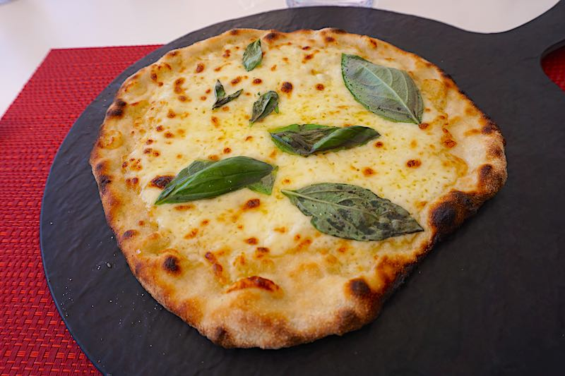Silver Muse pizza image