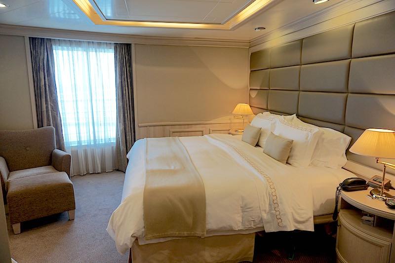 Silversea Silver Spirit Royal Suite bedroom image