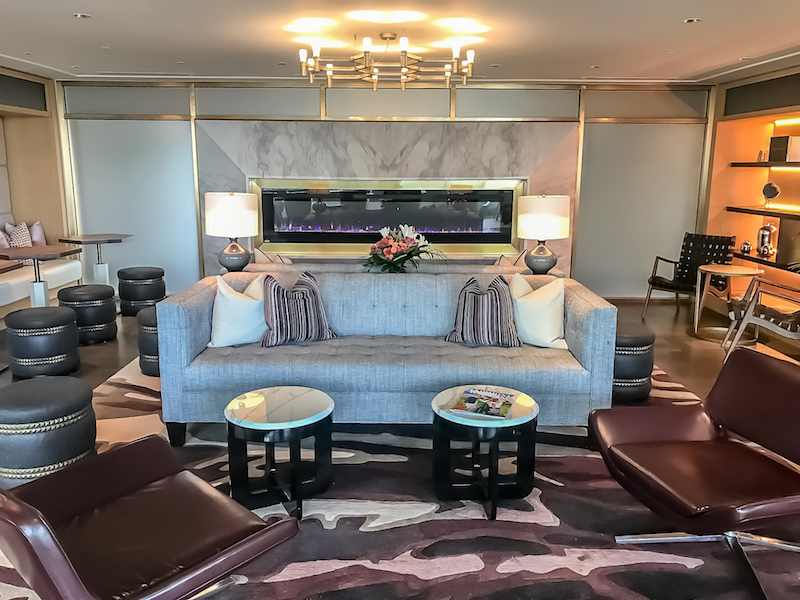 Fairmont Montreal The Queen Elizabeth Gold Concierge Lounge image